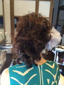 サイドアップ りずむヘアデザイン