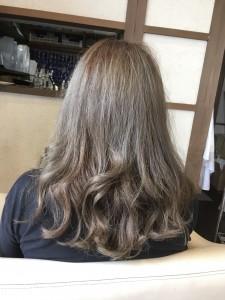 ブルーアッシュ ハイトーン 美容室 りずむヘアデザイン
