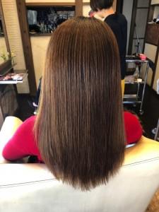 髪の毛が広がる 美容室 治し方 美容室 りずむヘアデザイン ノンシリコン酸熱トリートメント