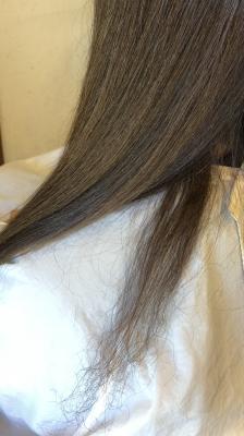 襟足の毛が痛む 切れる 治し方 美容室 りずむヘアデザイン 土浦市