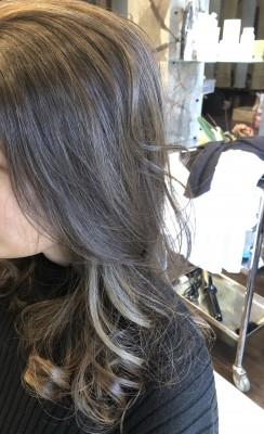 イヤリングカラー インナーカラー  美容室 土浦市 りずむヘアデザイン