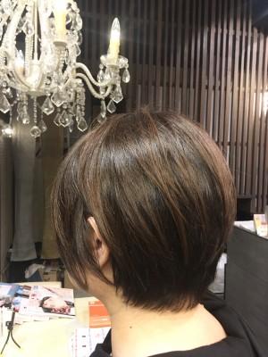 ショートボブ 大人キレイな 30代 40代 50代 前髪のクセ 直し方 襟足のクセ デケミ ケミカルデトックス  りずむヘアデザイン 土浦市 美容室