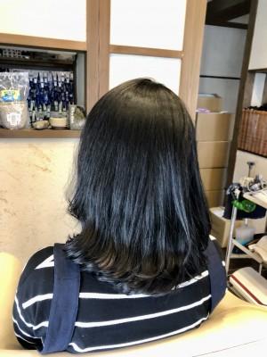 髪の毛の根元は縮毛矯正+毛先はデジタルパーマ 縮毛矯正カール 土浦市 美容室 りずむヘアデザイン