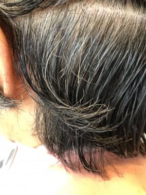 髪毛のクセ シリコーン病 ヘアカット 年齢による髪の毛のクセ
