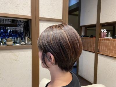 丸みショートボブ ハイライト ヘアカラー ショートボブ 土浦市 美容室 りずむヘアデザイン