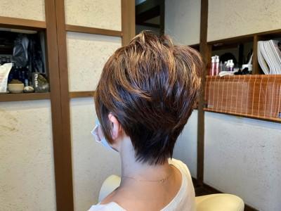 ショートボブ 絶壁 パーマ  ショートヘア 土浦市 美容室 りずむヘアデザイン 絶壁 鉢はり ショートカット ドライカット 髪の毛のクレンジング