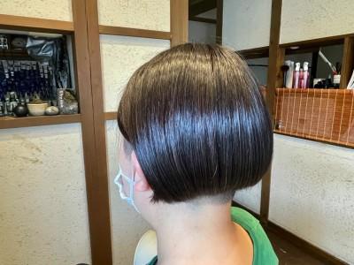 ツーブロック女子 ハンサムショート 2ブロックボブ 酢酸ヘアカラー 最低限ノンシリコーン 髪と地肌のクレンジング 還元美容 りずむヘアデザイン 土浦市 美容室