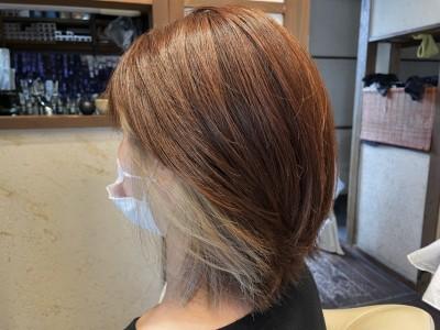インナーカラー ホワイトブリーチ アッシュ グレー 耳掛け ブリーチ 土浦市 美容室 りずむヘアデザイン